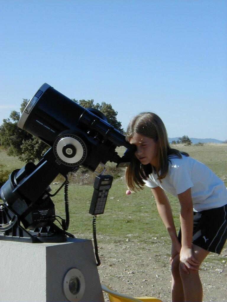 enfant télescope